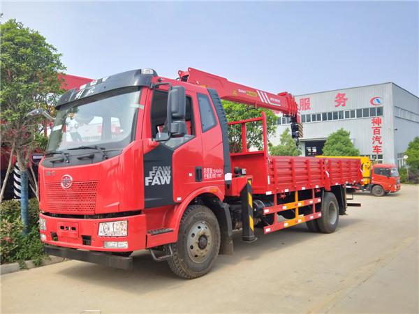 解放J6三一8吨随车吊(国五)